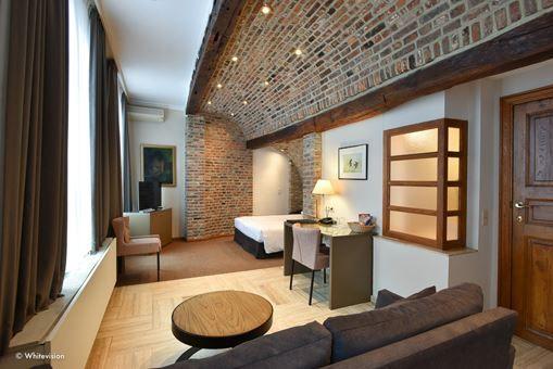 Room 203 - 3