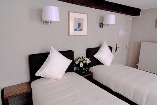 Room 204 - 1