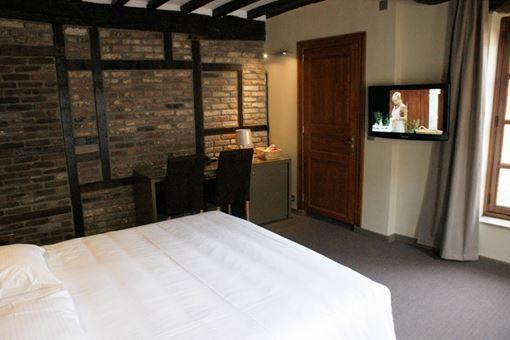 Room 206 - 2