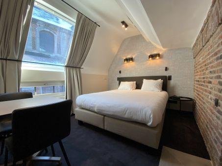 Room 304 - 1