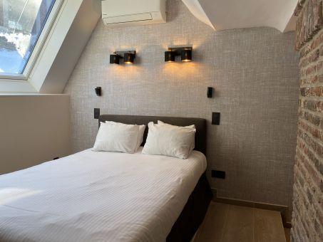 Room 305 - 1